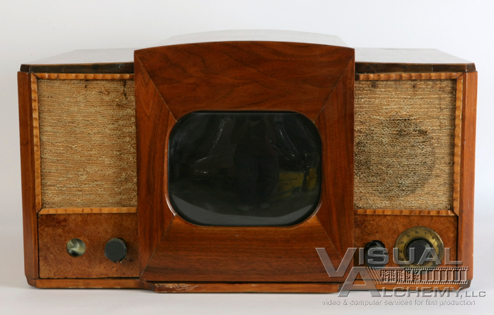 "1946 9"" RCA Golden Throat Wood Console (LCD screen inside)"